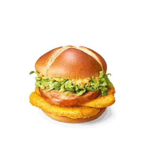 麦当劳俄式红肠双鸡堡